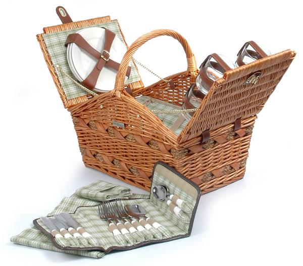 Picnic & Beyond Marina Collection - (B) 4 person Willow Picnic Basket