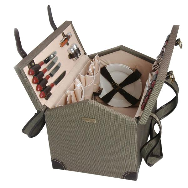 Picnic & Beyond Wooden Picnic Basket for 4