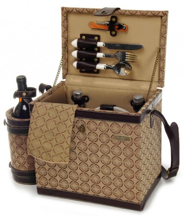 Picnic & Beyond Estate Luxury Wooden Picnic Box for Two